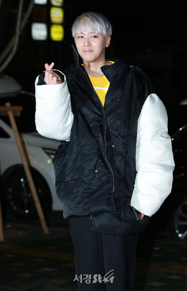 Tiệc mừng công phim Hoa du ký: Mỹ nhân Oh Yeon Seo mặt sưng vù bóng nhẫy, bị nàng cương thi dìm thậm tệ - Ảnh 19.