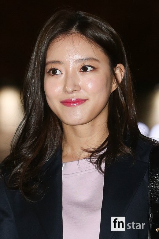 Tiệc mừng công phim Hoa du ký: Mỹ nhân Oh Yeon Seo mặt sưng vù bóng nhẫy, bị nàng cương thi dìm thậm tệ - Ảnh 12.