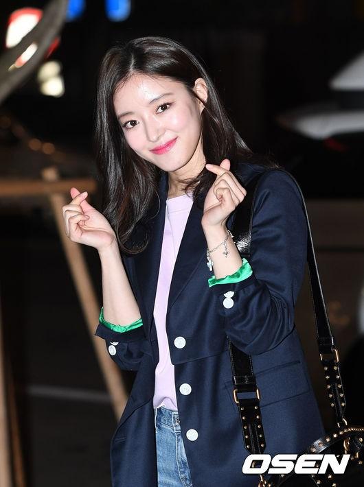 Tiệc mừng công phim Hoa du ký: Mỹ nhân Oh Yeon Seo mặt sưng vù bóng nhẫy, bị nàng cương thi dìm thậm tệ - Ảnh 9.