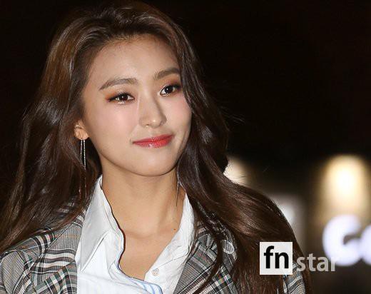 Tiệc mừng công phim Hoa du ký: Mỹ nhân Oh Yeon Seo mặt sưng vù bóng nhẫy, bị nàng cương thi dìm thậm tệ - Ảnh 16.