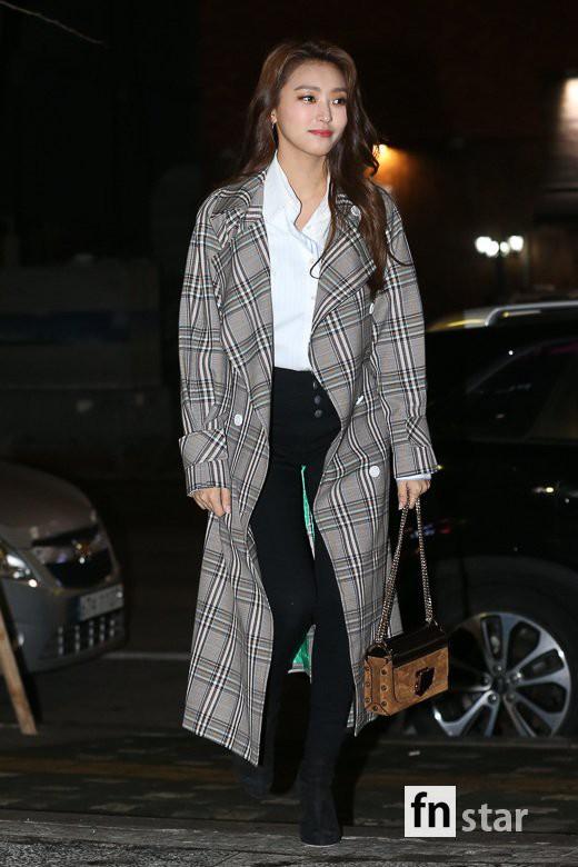 Tiệc mừng công phim Hoa du ký: Mỹ nhân Oh Yeon Seo mặt sưng vù bóng nhẫy, bị nàng cương thi dìm thậm tệ - Ảnh 14.