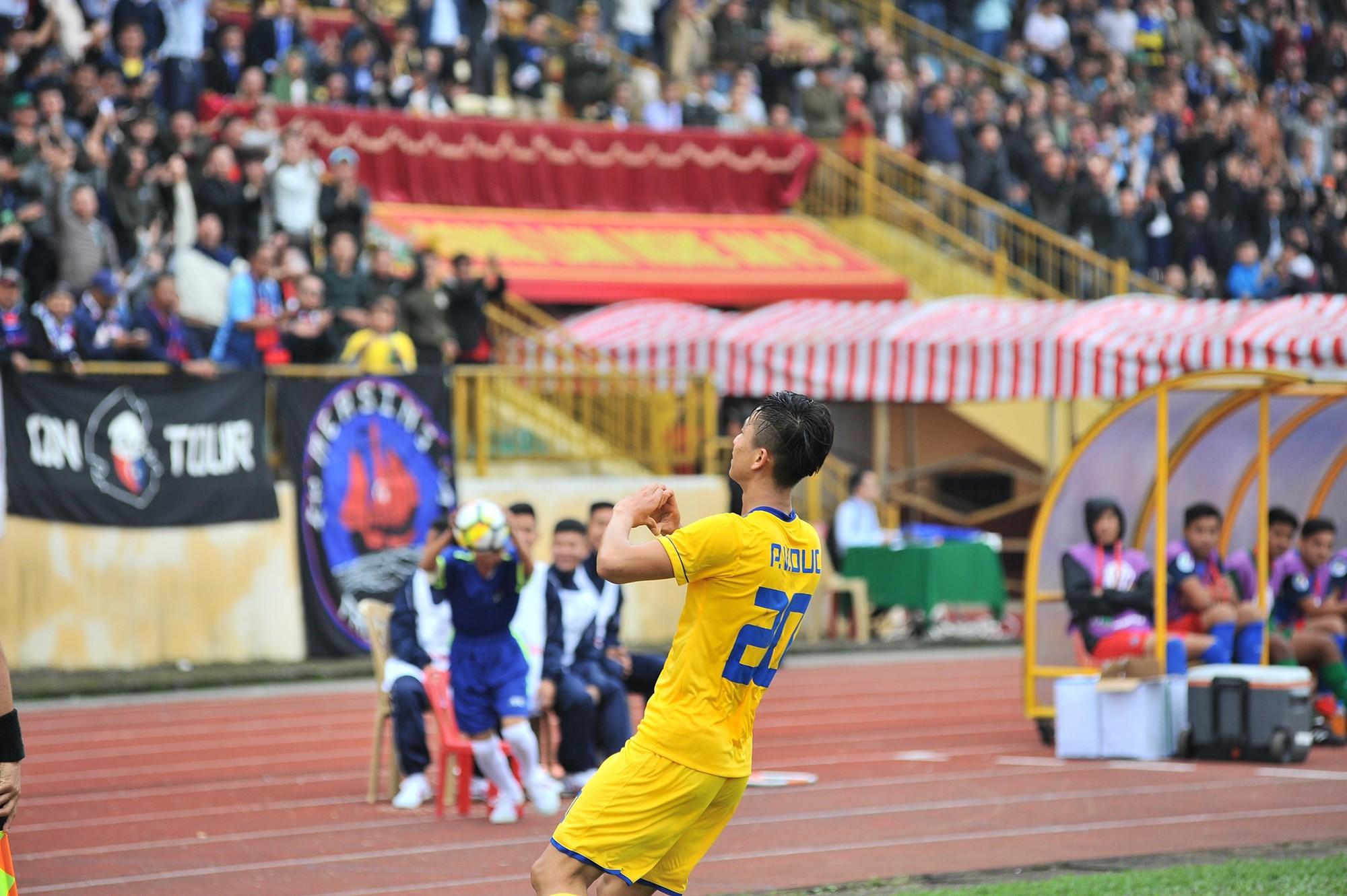 Ngôi sao U23 Việt Nam tỏa sáng rực rỡ trong vòng 5 V-League 2018
