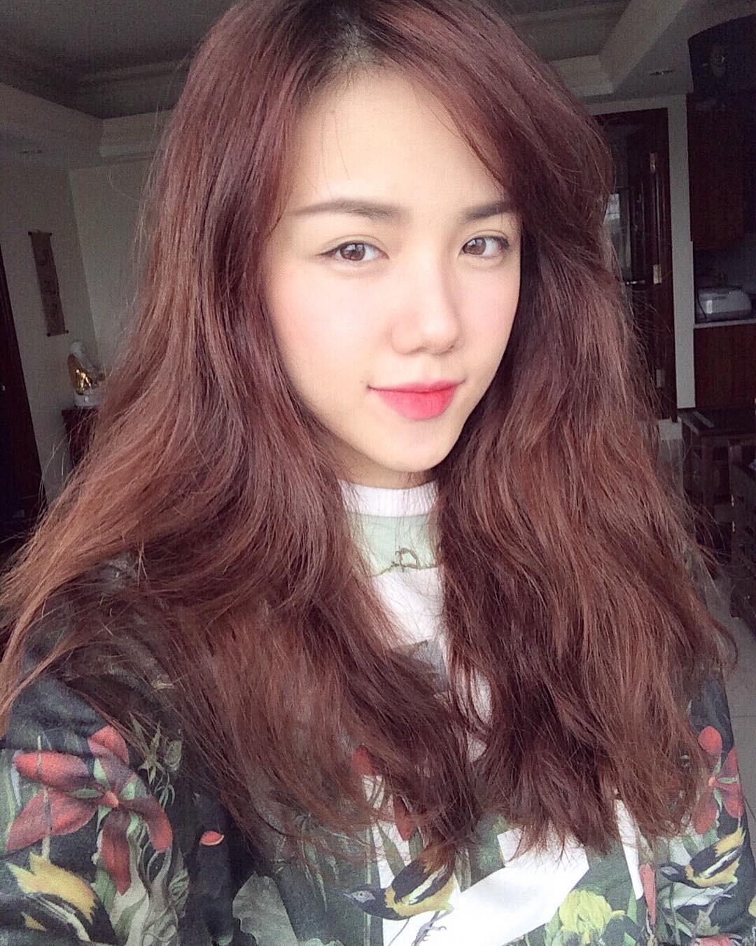Bạn đã biết 4 cách đánh son siêu xinh đang được các hot girl Việt tích cực diện mùa xuân này chưa? - Ảnh 4.
