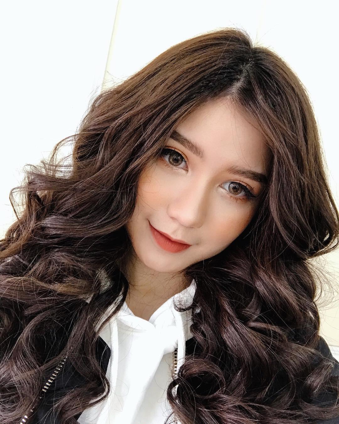 Bạn đã biết 4 cách đánh son siêu xinh đang được các hot girl Việt tích cực diện mùa xuân này chưa? - Ảnh 9.