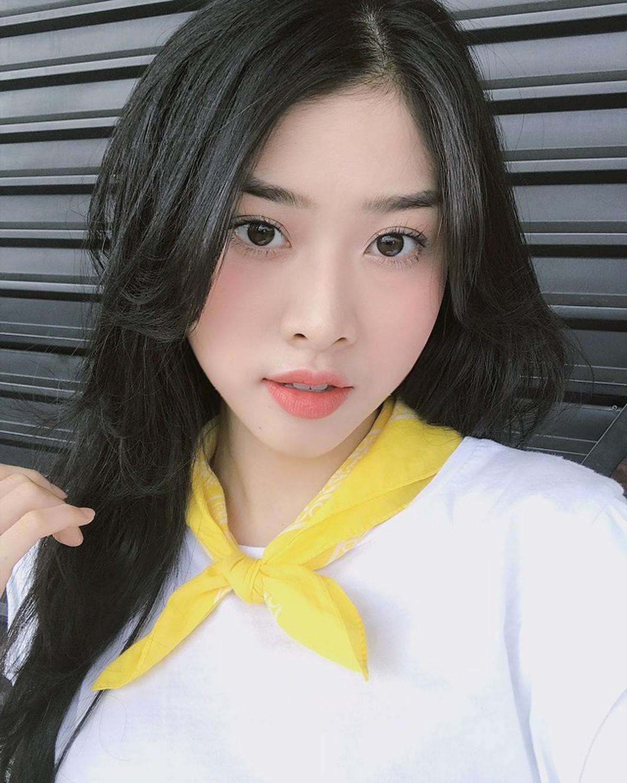 Bạn đã biết 4 cách đánh son siêu xinh đang được các hot girl Việt tích cực diện mùa xuân này chưa? - Ảnh 12.