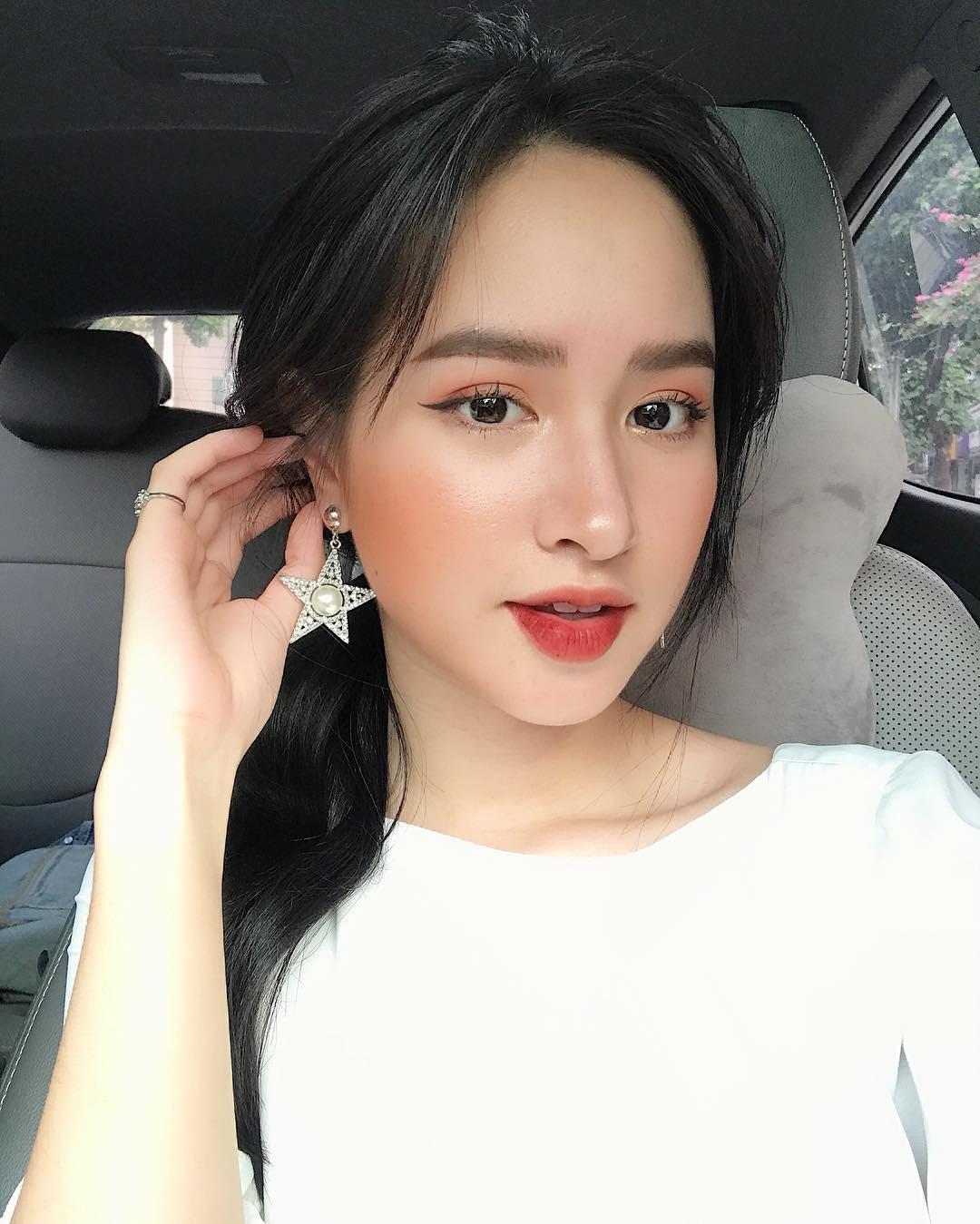 Bạn đã biết 4 cách đánh son siêu xinh đang được các hot girl Việt tích cực diện mùa xuân này chưa? - Ảnh 10.