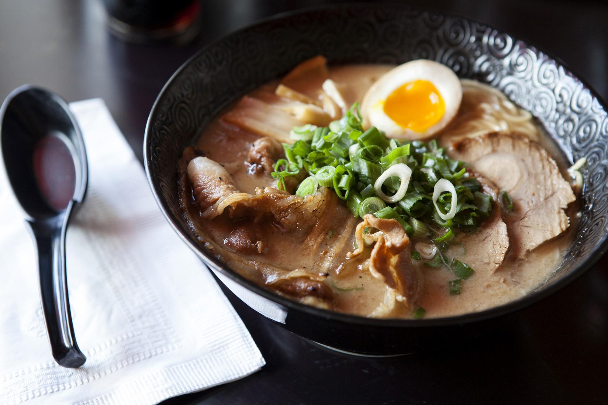 Ngoài Aori của Seungri thì ở Hà Nội còn có rất nhiều quán mì ramen ngon và hay ho - Ảnh 1.
