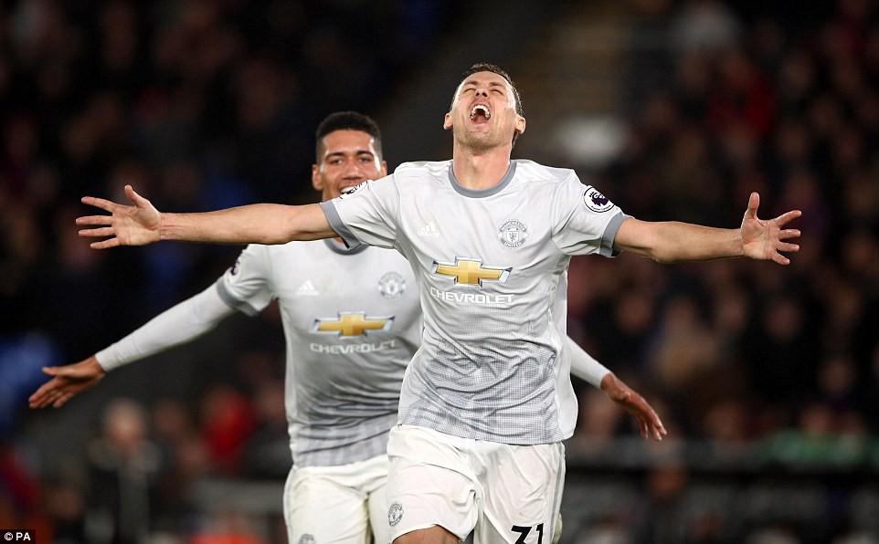 Man Utd ngược dòng nghẹt thở, đòi lại vị trí thứ hai - Ảnh 15.
