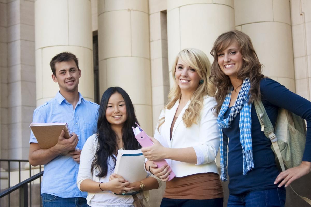 Nhiều sinh viên mới ra trường, chưa có kinh nghiệm mong muốn mức lương 1000 USD - Ảnh 6.