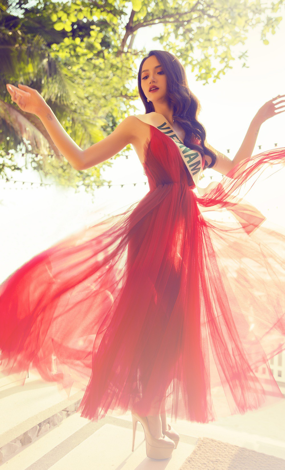 Trước thềm chung kết Hoa hậu Chuyển giới Quốc tế 2018, Hương Giang Idol nói gì ?