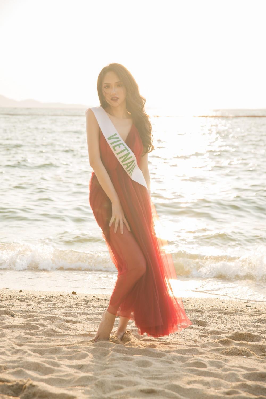 Ngắm nhan sắc của Hương Giang trong những chặng cuối của Hoa hậu Chuyển giới Quốc tế 2018 - Ảnh 7.