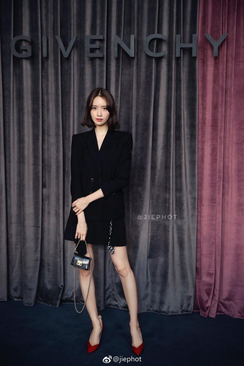 Gầy như cây sậy tại sự kiện, chị em Yoona và Minho lại làm lu mờ tất cả với khí chất ông hoàng bà hoàng - Ảnh 11.