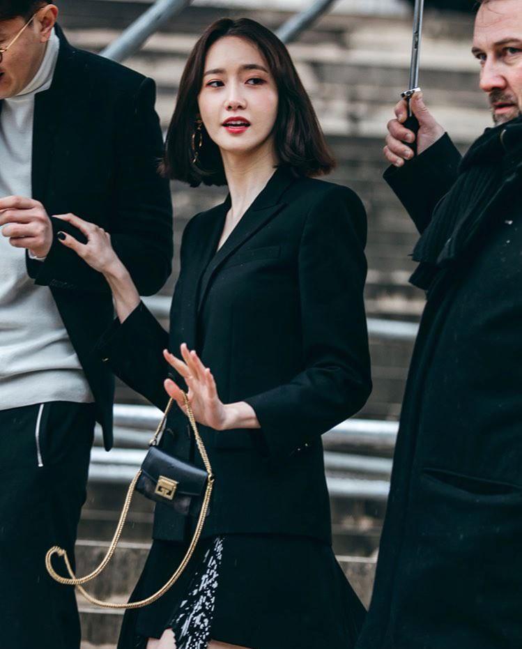 Gầy như cây sậy tại sự kiện, chị em Yoona và Minho lại làm lu mờ tất cả với khí chất ông hoàng bà hoàng - Ảnh 4.