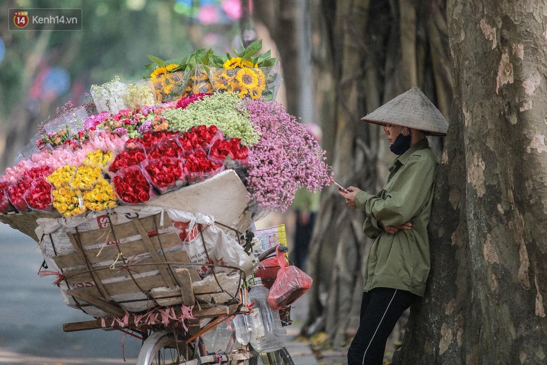 """8/3 của những người phụ nữ không bao giờ thiếu hoa: """"Mình thích thì mang hoa về tự cắm, chẳng cần chờ ai tặng cả!"""" - Ảnh 9."""