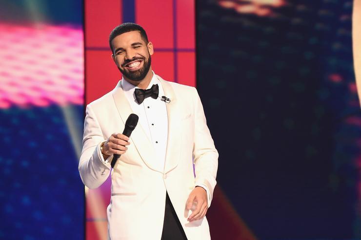Không có đối thủ, Drake thống trị Hot 100 tuần thứ 6 liên tiếp - Ảnh 1.