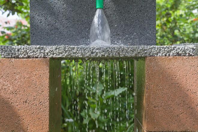 Tìm ra cách cải thiện khả năng thoát nước của bê tông trong mùa lũ bằng sợi carbon tái chế vô cùng hiệu quả - Ảnh 1.