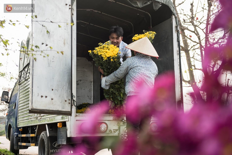 """8/3 của những người phụ nữ không bao giờ thiếu hoa: """"Mình thích thì mang hoa về tự cắm, chẳng cần chờ ai tặng cả!"""" - Ảnh 6."""