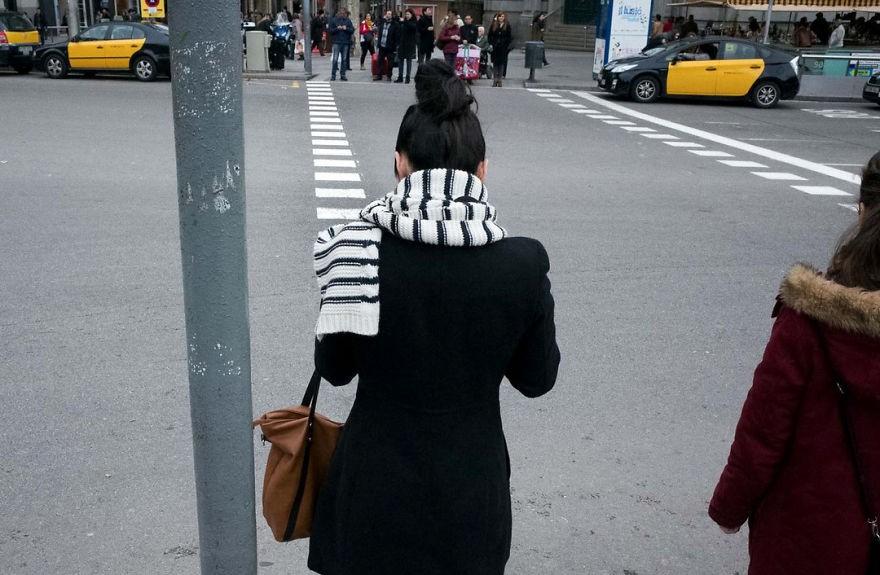 Những khoảnh khắc tình cờ thật bất ngờ lọt vào ống kính của nhiếp ảnh gia đường phố - Ảnh 10.