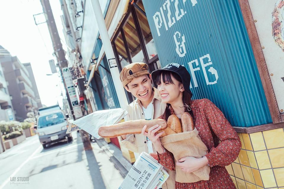 Giữa Tokyo hào nhoáng, có một cặp đôi Việt chụp ảnh cưới với concept bán báo - bán bánh mì - Ảnh 10.