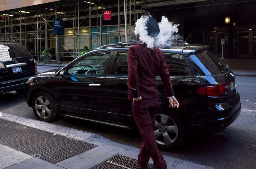 Những khoảnh khắc tình cờ thật bất ngờ lọt vào ống kính của nhiếp ảnh gia đường phố - Ảnh 3.