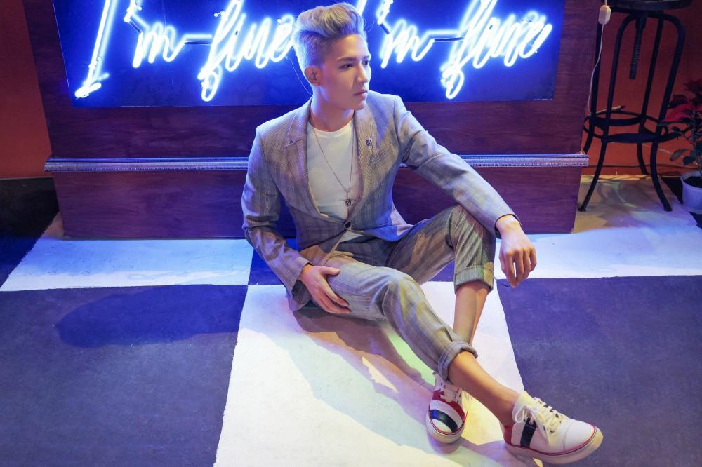 Mượn La La Land, Anh Tú (The Voice) tái hiện chuyện tình mộng mơ của mình trong MV đầu tay - Ảnh 7.