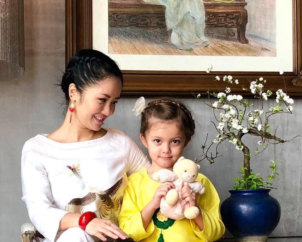 """Ngắm những """"công chúa lai"""" siêu đáng yêu của nhà sao Việt - Ảnh 12."""