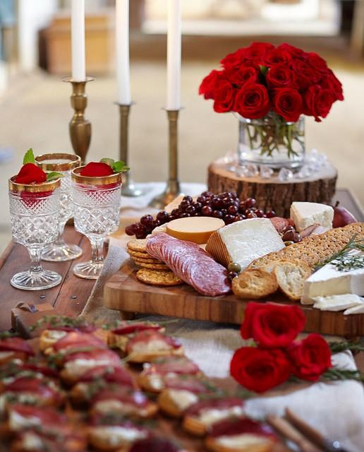 """""""Bánh mì và hoa hồng: Ý nghĩa thực sự của ngày mùng 8/3 và câu chuyện bình quyền của phụ nữ trên thế giới - Ảnh 3."""