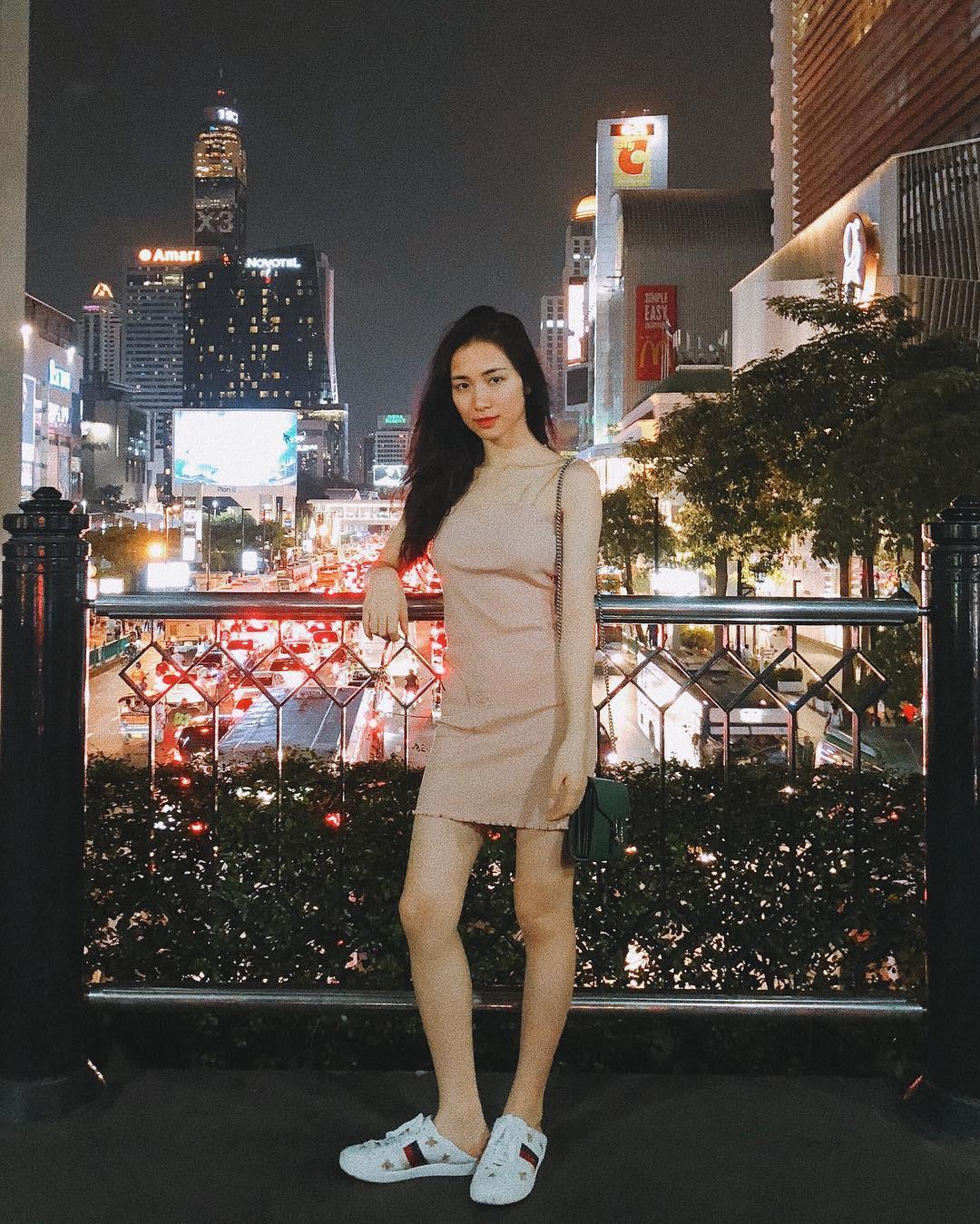 Chịu chi như Hòa Minzy: sắm hẳn giày gần 20 triệu chỉ để đi đạp gót! - Ảnh 3.