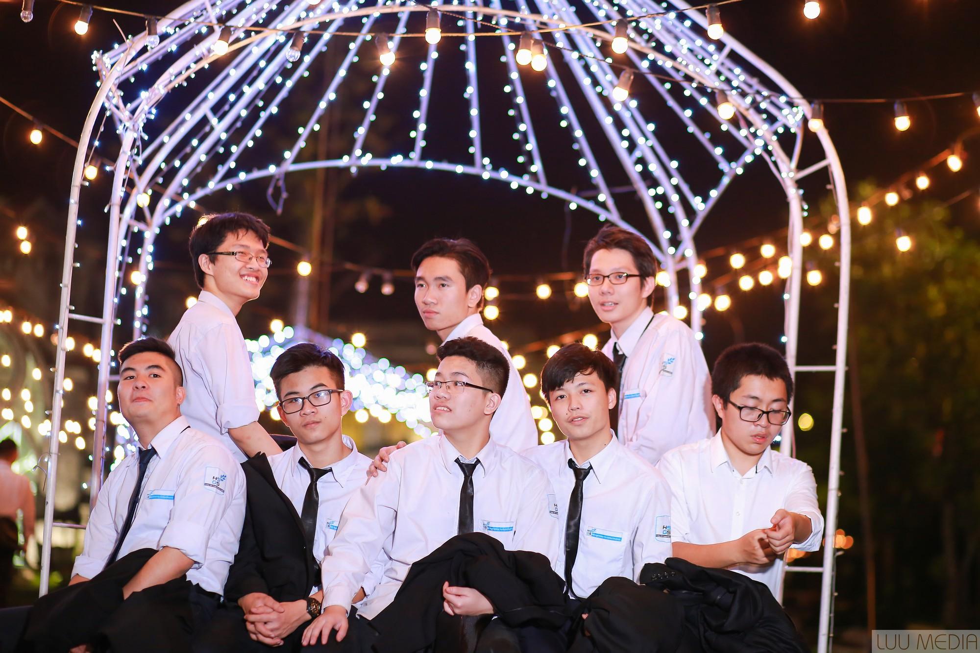 Nhận học bổng du học Mỹ gần 5 tỷ đồng, nam sinh Hà Nội muốn tạo ra robot bác sĩ tâm lý - Ảnh 9.