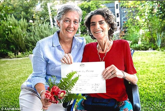 Vừa cưới nhau được 48 ngày, bi kịch đau đớn đã ập đến với cặp đôi đồng tính kết hôn đầu tiên tại Úc - Ảnh 1.