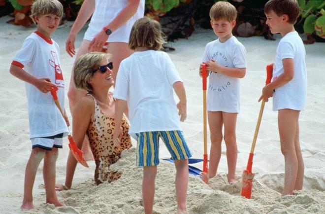 Cách làm mẹ của Công nương Diana vẫn luôn khiến các mẹ khắp thế giới ngưỡng mộ - Ảnh 4.