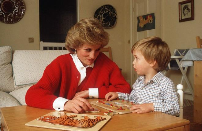 Cách làm mẹ của Công nương Diana vẫn luôn khiến các mẹ khắp thế giới ngưỡng mộ - Ảnh 6.