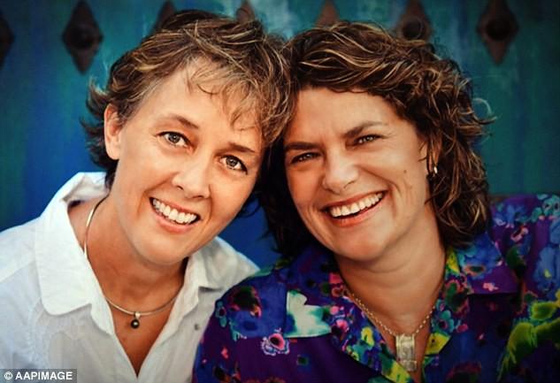 Vừa cưới nhau được 48 ngày, bi kịch đau đớn đã ập đến với cặp đôi đồng tính kết hôn đầu tiên tại Úc - Ảnh 2.