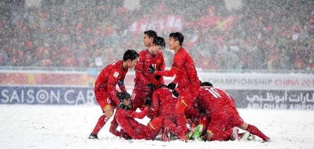 Đưa U23 đi khắp thế gian: fan bóng đá Việt ngọt ngào quá đi thôi! - Ảnh 1.