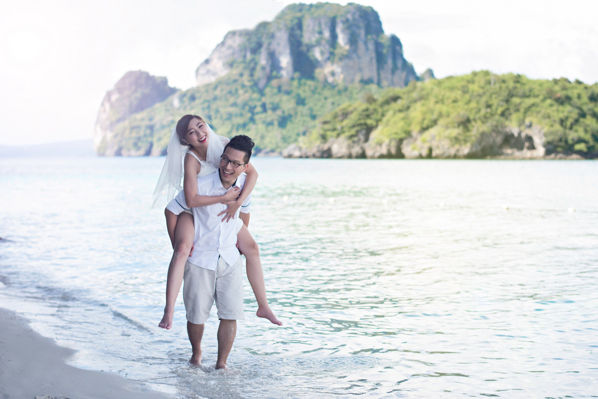 Em gái Trấn Thành kết hôn với bạn trai Hồng Kông, tung bộ ảnh cưới nhắng nhít cùng hội bạn thân - Ảnh 6.