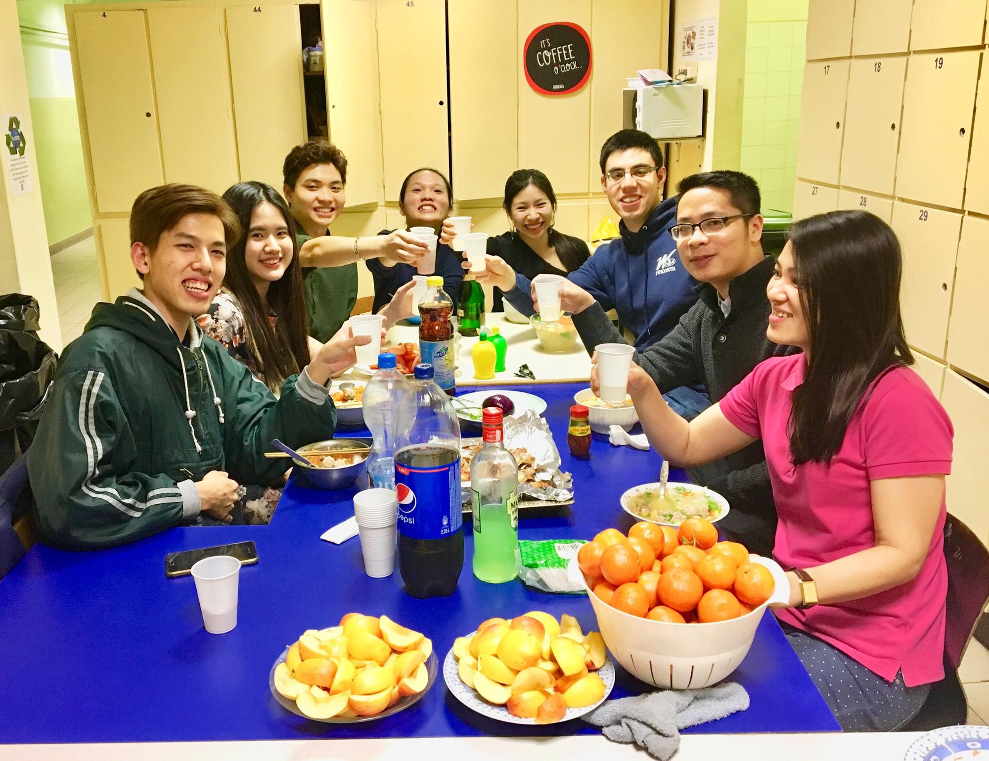 Du học sinh Việt hòa mình vào không khí chào năm mới khắp thế giới - Ảnh 24.
