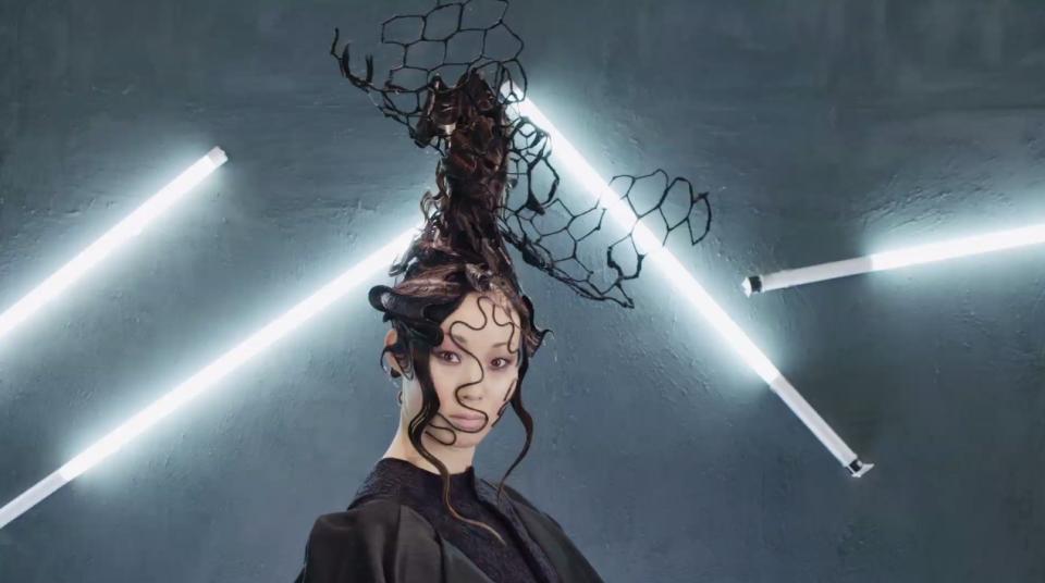 Những kiểu tóc quái đản có khả năng sẽ lên ngôi trong năm 2018 - Ảnh 7.