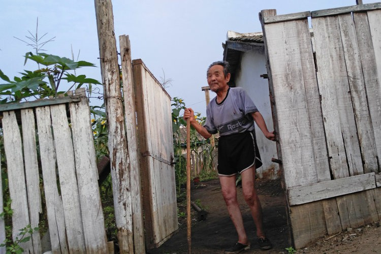Chùm ảnh: Cuộc sống yên bình ở đất nước thần bí bậc nhất thế giới dưới ống kính của nhiếp ảnh gia Trung Quốc - Ảnh 11.