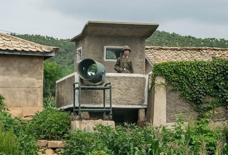 Chùm ảnh: Cuộc sống yên bình ở đất nước thần bí bậc nhất thế giới dưới ống kính của nhiếp ảnh gia Trung Quốc - Ảnh 43.