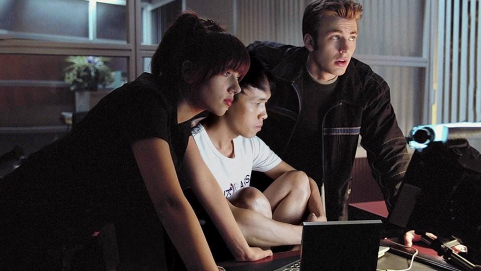 Thanh niên Việt Nam bắt nạt cả sao Hollywood bằng những ngón nghề Photoshop đỉnh cao - Ảnh 3.