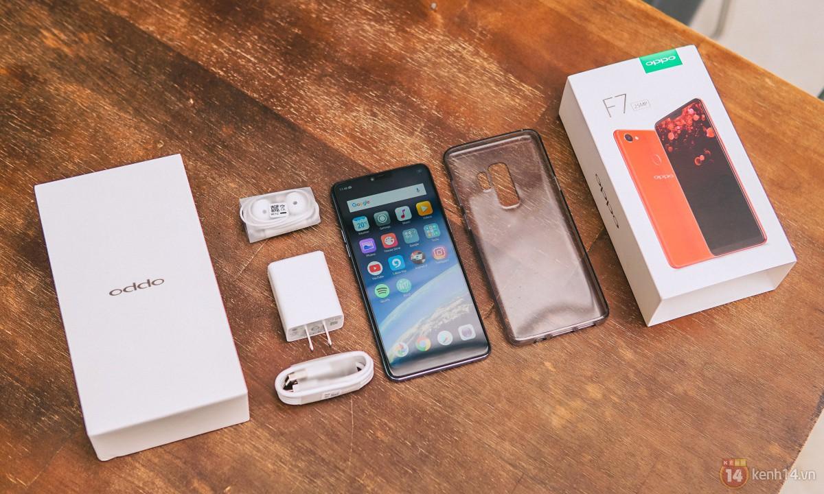Mở hộp OPPO F7 màu bạc lấp lánh: Selfie bằng AI cực đẹp, màn hình FullView kèm tai thỏ như iPhone X - Ảnh 5.