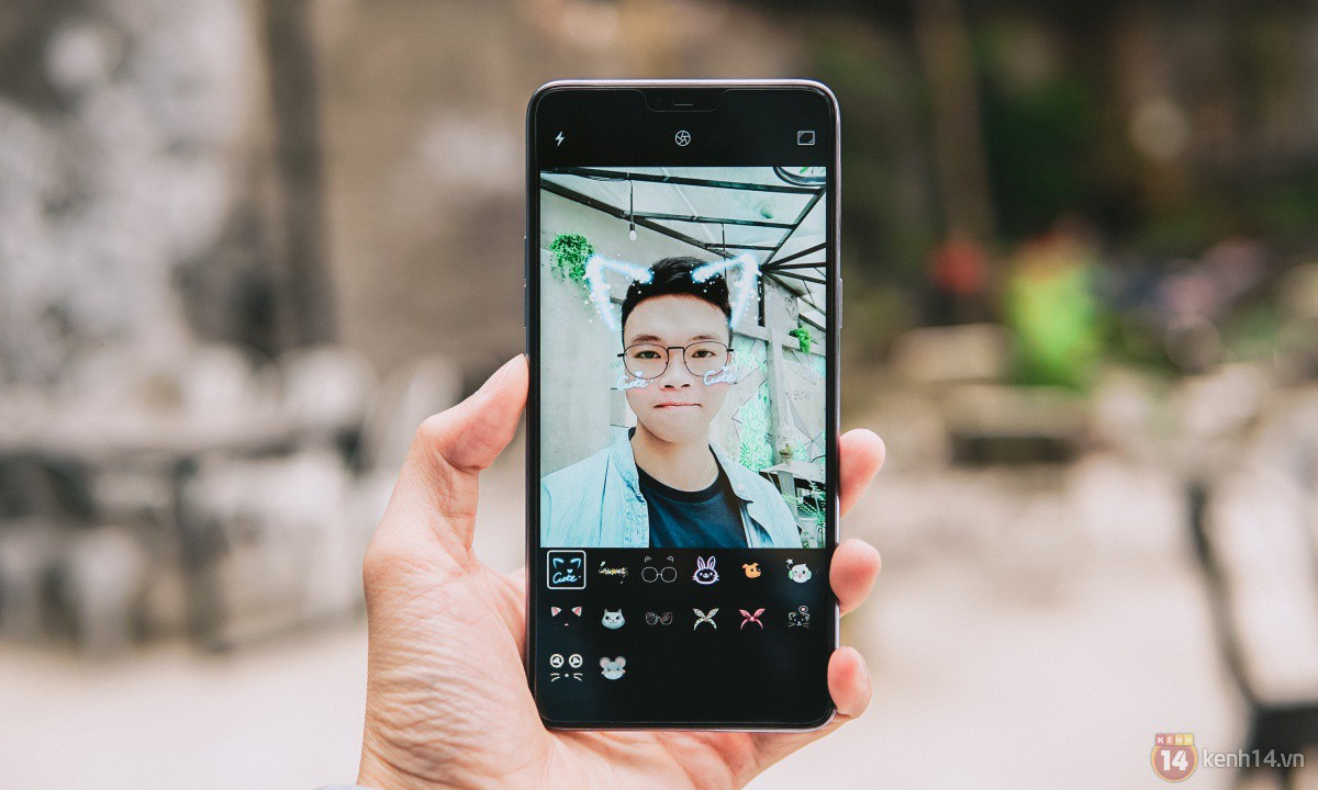 Mở hộp OPPO F7 màu bạc lấp lánh: Selfie bằng AI cực đẹp, màn hình FullView kèm tai thỏ như iPhone X - Ảnh 20.