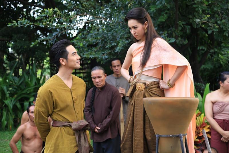 Công thức nhào nặn nên cơn sốt phim Thái Nhân Duyên Tiền Định - Ảnh 8.