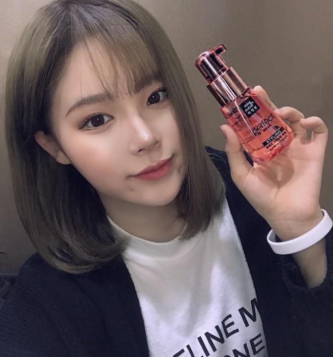 Không chỉ chăm sóc da, hội con gái Hàn Quốc còn thi nhau dùng 4 sản phẩm này để giúp tóc phồng mượt óng ả - Ảnh 1.