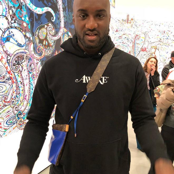 Đố bạn: Tìm sự khác biệt giữa mẫu túi mới của Louis Vuitton với túi đựng áo mưa - Ảnh 2.