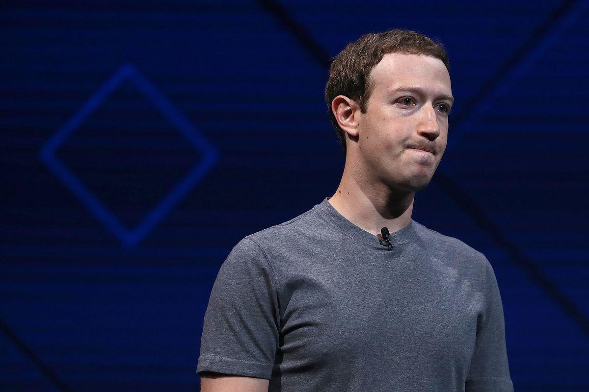 Đứng trước tâm bão chỉ trích của dư luận, Mark Zuckerberg chọn cách xin lỗi bằng áo vest và những chiếc cà vạt - Ảnh 2.