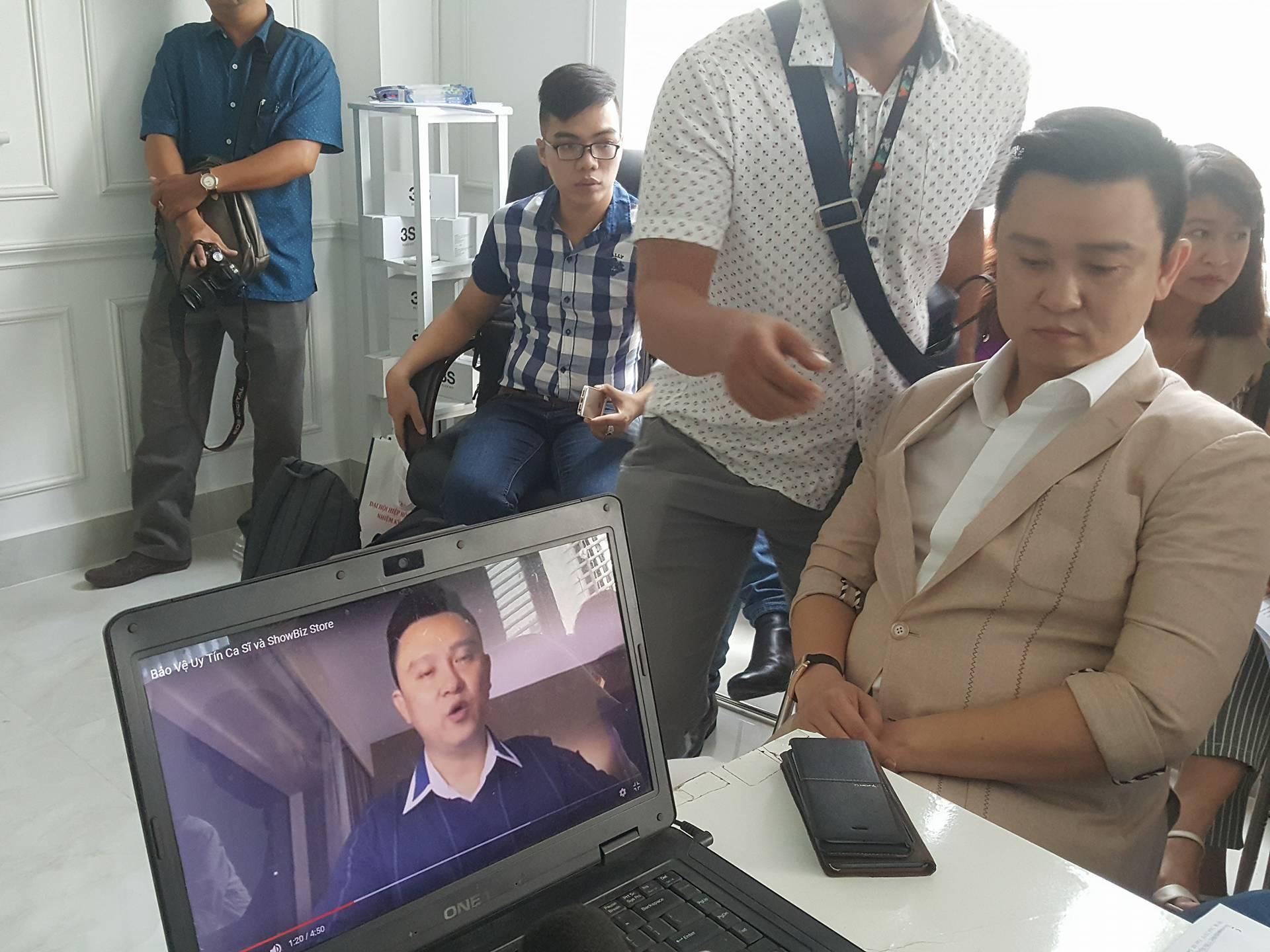 """Ông Diệp Khắc Cường: """"Tôi và Đàm Vĩnh Hưng bị iFan lợi dụng hình ảnh để lừa đảo"""" - Ảnh 2."""