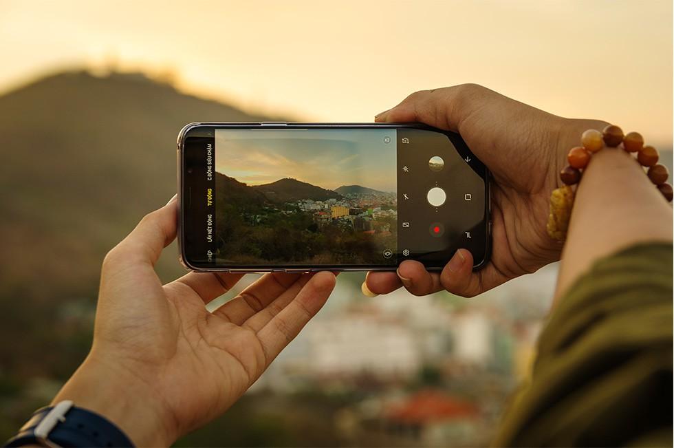 Đi để cảm nhận sự khác biệt trên từng cung đường với camera Galaxy S9 - Ảnh 1.