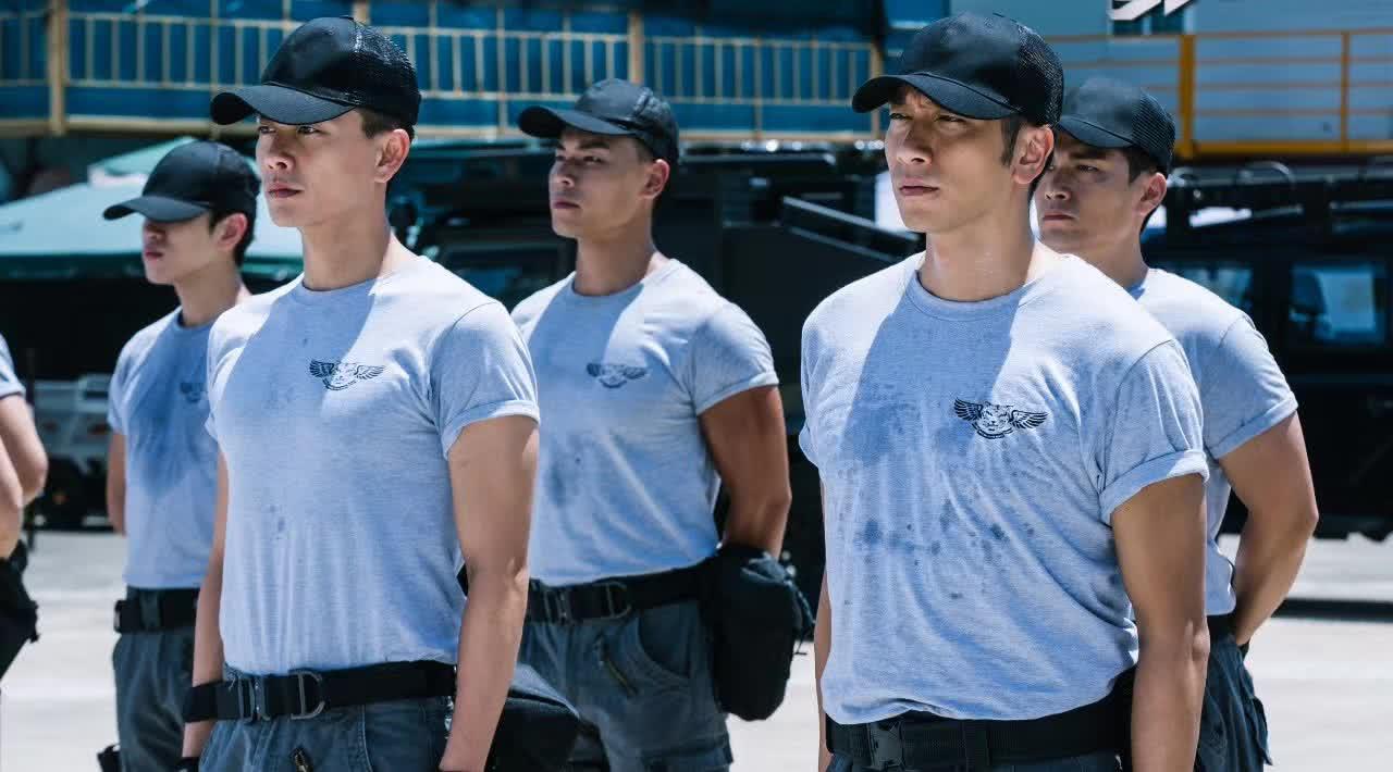 Phi Hổ Cực Chiến: Toát mồ hôi theo dấu đội hình bắn tỉa hội tụ toàn ngôi sao TVB - Ảnh 2.