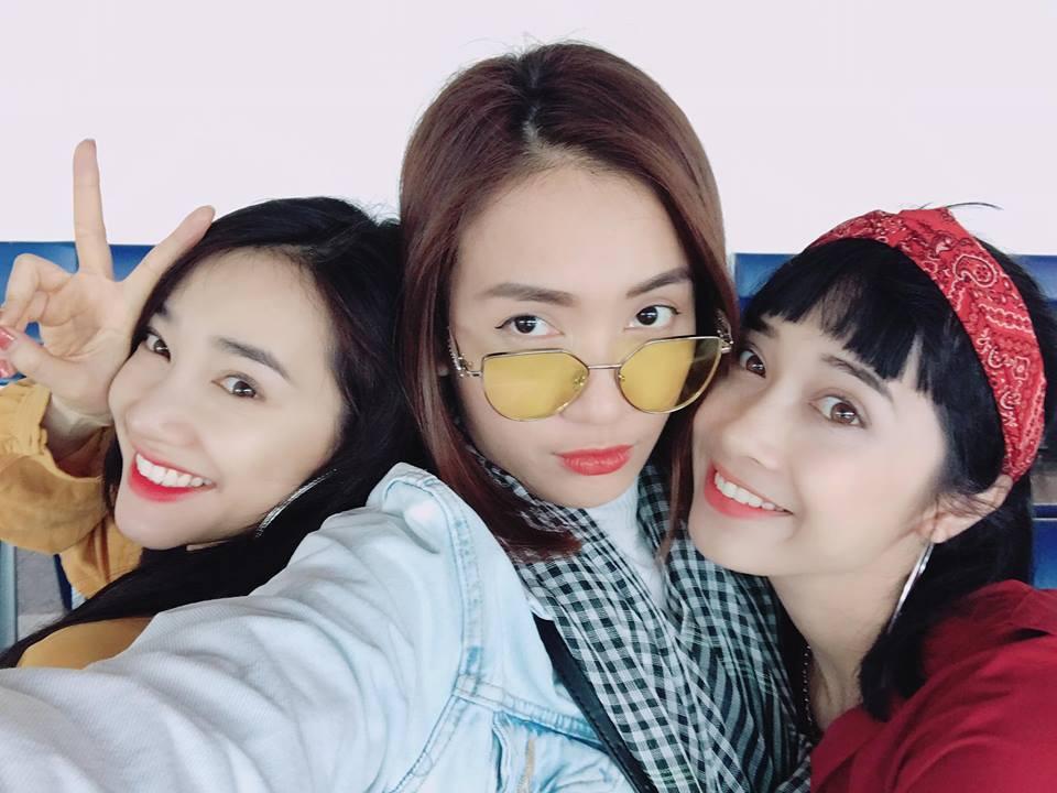 Mặc ồn ào tình cảm của Trường Giang, Nhã Phương vui vẻ đi du lịch Thái Lan cùng bạn bè - Ảnh 3.